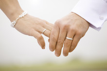 Wedding Rings Hands Bridal Cou...