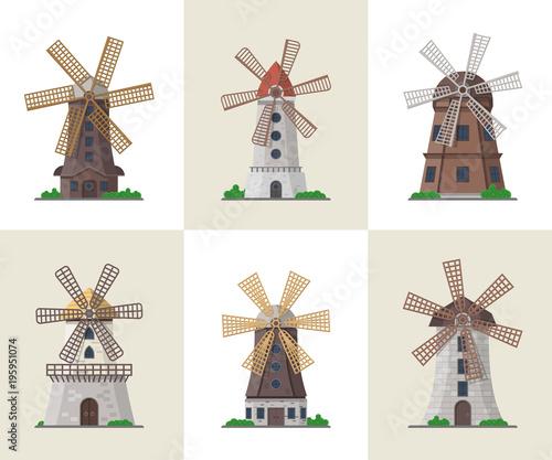 Fotografía Traditional ancient windmill buildings