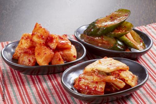 キムチ3種盛り(白菜キムチ、カクテキ、オイキムチ)