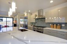 Sleek Modern Kitchen Design Wi...