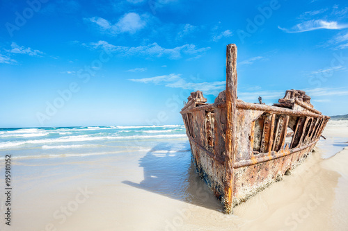 Foto op Canvas Schipbreuk ship wreck on fraser island, Australia