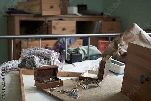 Fotomural  Bedroom Ransacked During Burglary