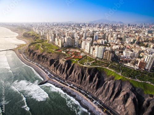Photo  LIMA, PERU: Panoramic view of Lima from Miraflores.