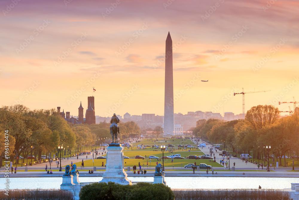 Fototapety, obrazy: Washington DC city view at a orange sunset, including Washington