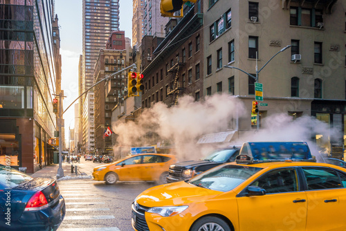 Staande foto New York TAXI Manhattan morning sunrise view with yellow cabs