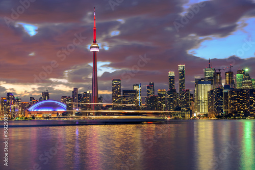 Fotografija  Toronto city skyline at night, Ontario, Canada