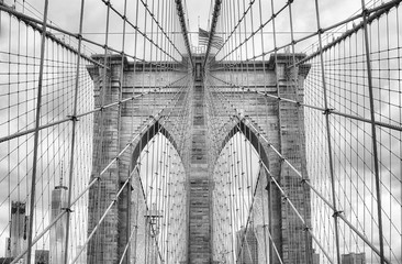 FototapetaBlack and white picture of the Brooklyn Bridge, New York City, USA.