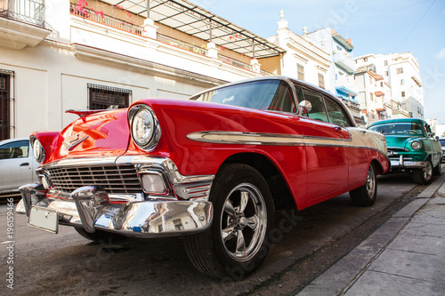Cuba, Havana: American classic car parked on the street Slika na platnu