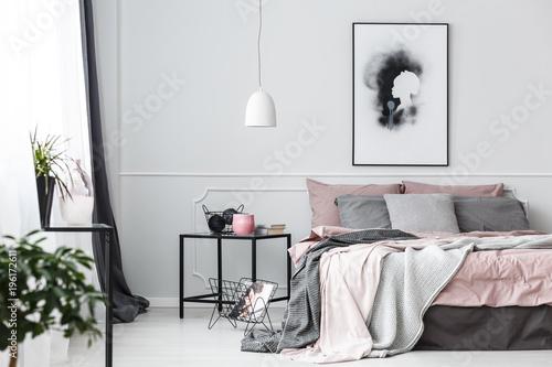 Fototapeta Poster in pink bedroom interior obraz