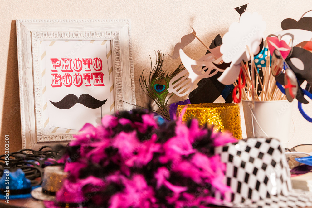 Fototapety, obrazy: Table of Photobooth Props with Sign