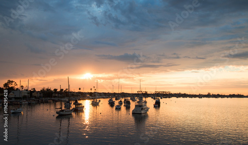 Spoed Fotobehang Centraal-Amerika Landen Sunset over Newport Beach Harbor in southern California United States