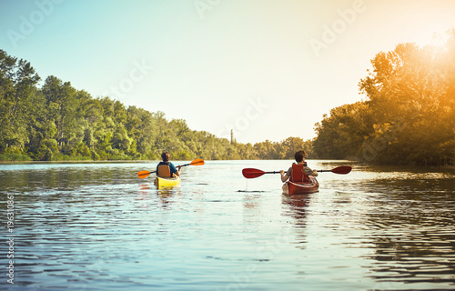 Foto A canoe trip on the river in the summer.