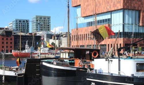 Keuken foto achterwand Antwerpen Maritimes Flair am Bonapartedok in Antwerpen