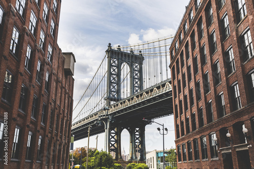 USA, New York City, view to Manhattan Bridge from Brooklyn