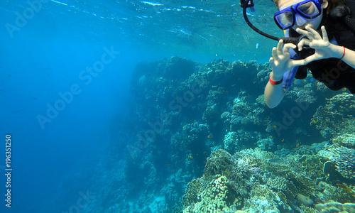 Staande foto Duiken girl diver
