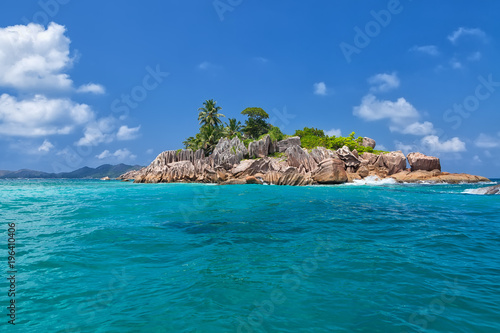 Poster Oceanië Beautiful tropical St. Pierre Island with palms and granite rocks, Seychelles