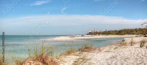 Spoed Foto op Canvas Napels White sand beach and aqua blue water of Clam Pass in Naples, Florida