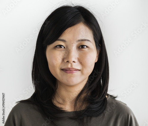 Photo  Asian ethnicity woman portrait shoot in a studio