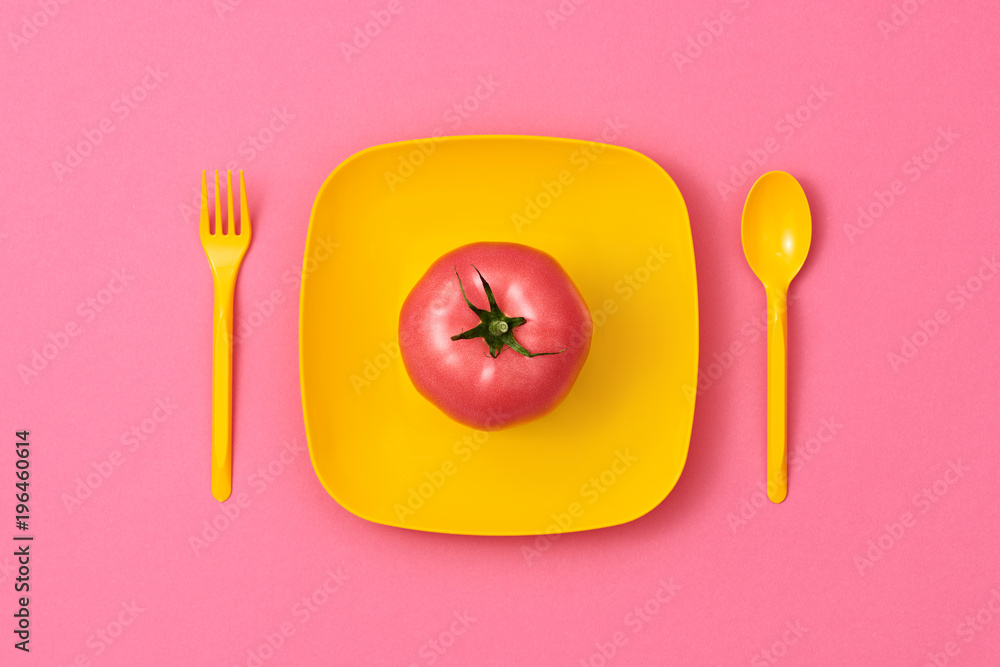 Tomato Fresh Veg. Food Organic Vegan Concept. Colorfull Vegetables. Pink Tomato on plate. Flat lay. Trendy fashion Style. Minimal Design Art. Hot Summer Vibes. Bright Green Color. <span>plik: #196460614 | autor: evgenij918</span>