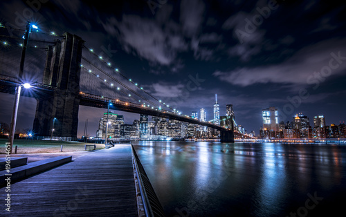 Foto auf Gartenposter Brooklyn Bridge Brooklyn Bridge and New York skyline from Brooklyn