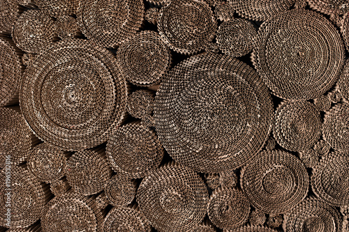 Foto  twisted coils of corrugated cardboard background abstraction