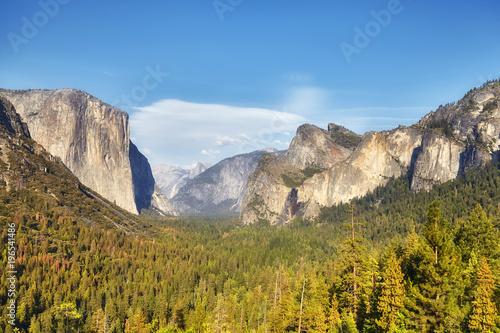 Fotobehang Natuur Park Yosemite Valley from Tunnel View in warm sunset light, Yosemite National Park, California, USA.