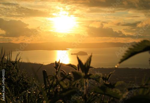 Photo panoramic view of bolsena lake