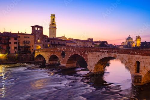 Poster Artistique Image of Verona. Pietra bridge on Adige river