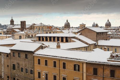Fotografie, Obraz  Tetti del centro di Roma coperti di neve