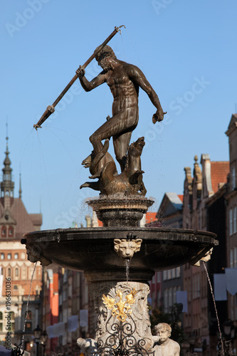 Fotografie, Obraz  Neptune Fountain In Gdansk