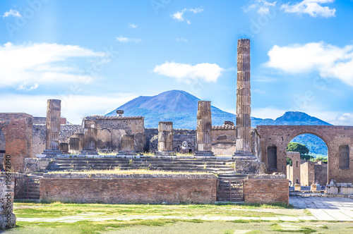 Photo Stands Napels Ancient ruins of Pompeii, Italy