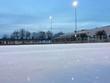 leere Eislaufbahn im Freien