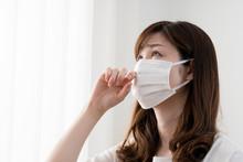 花粉症の女性、マスク、鼻水