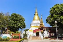 Wat Phra Kaew Don Tao Lampang ...