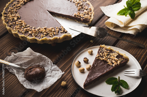 Cuadros en Lienzo Nutella, hazelnut tart. Chocolate dessert.