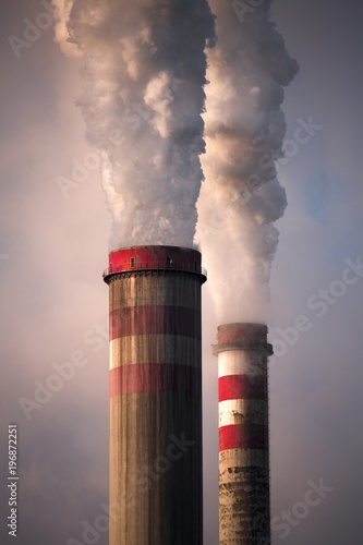Leinwand Poster Industrial smoke stack of coal power plant