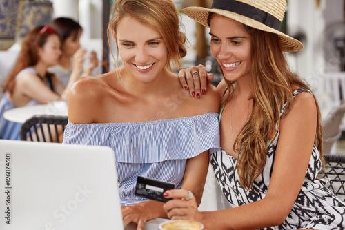 Лесби смотреть онлайн на смартфоне — img 13