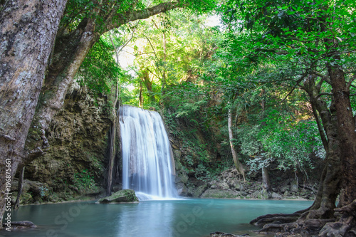 Küchenrückwand aus Glas mit Foto Wasserfalle Erawan waterfall with beautiful in the Kanchanaburi Province, Thailand.