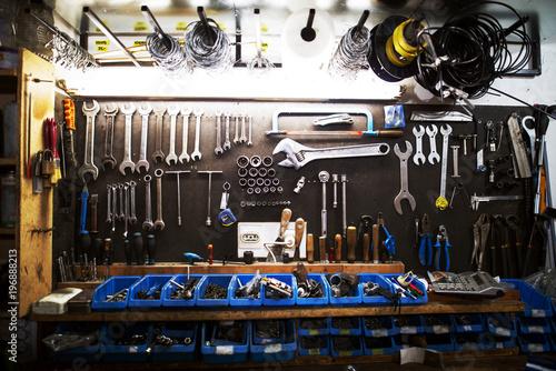 Profesjonalny duży zestaw profesjonalnych narzędzi.