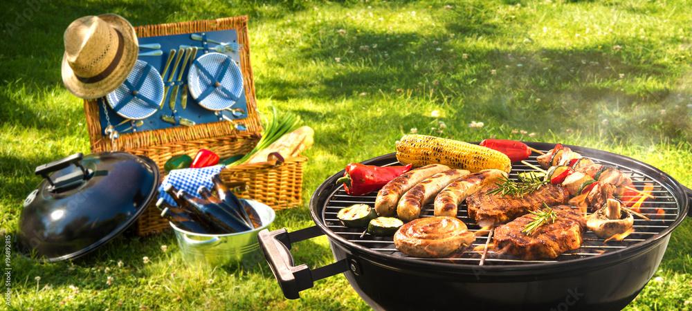 Fototapety, obrazy: Barbecue picnic