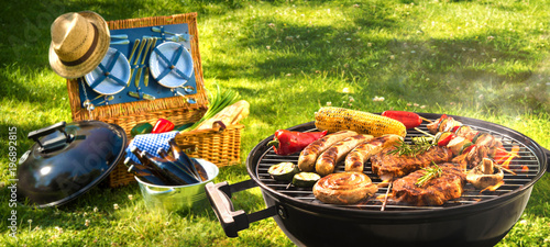 Tuinposter Grill / Barbecue Barbecue picnic