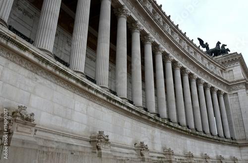 Fotografie, Obraz Korinthische Säulenreihe des neoklassizistischen  Vittorio Emanuele