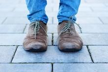 Abgelaufene Schuhe I
