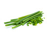 Grün Schnittlauch isoliert freigestellt auf weißen Hintergrund, Freisteller