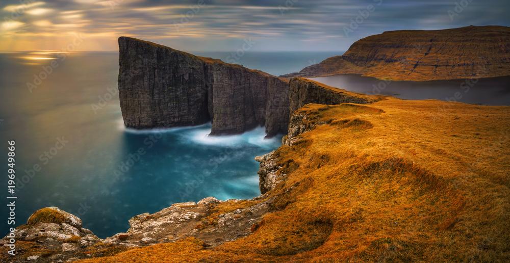 Fototapety, obrazy: Traelanipa cliffs