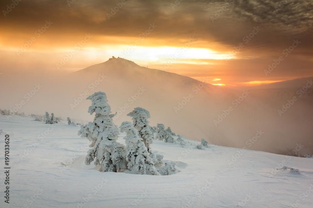 Fototapety, obrazy: Winter sunrise over the Sniezka mount in the Giant Mountains, Karkonosze, Poland