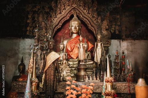 Poster Boeddha Bronze Buddha statue in temple