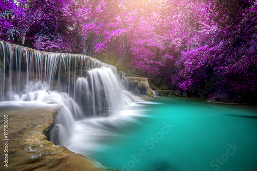 Foto auf Gartenposter Wasserfalle Huay Mae Kamin Waterfall, beautiful waterfall in rainforest at Kanchanaburi province, Thailand