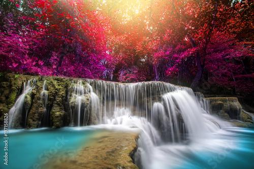 Spoed Fotobehang Watervallen Huay Mae Kamin Waterfall, beautiful waterfall in rainforest at Kanchanaburi province, Thailand