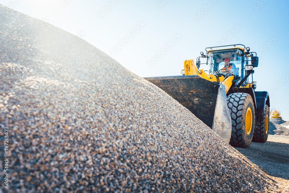 Fototapety, obrazy: Erdarbeiten auf einer Tiefbau Baustelle, Kies und Radlader